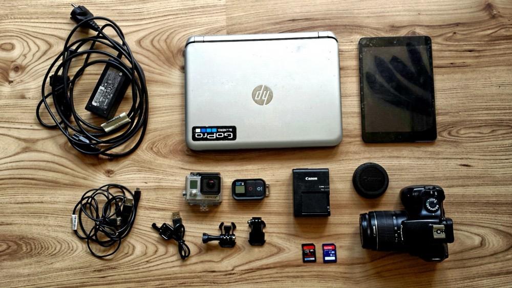 Elektronische Gadgets auf Reisen: Laptop, Kamera, GoPro, Ipad